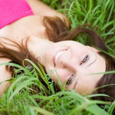 beautiful-young-girl-women-lay-laying-grass